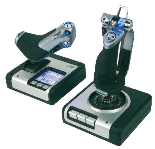 Der Joystick ›X 52 Hotas‹ der Firma Saitek stellt wohl die größtmögliche Auslotung der Möglichkeiten eines Joysticks dar und heißt ›PC Flug-Steuerungs-System‹ (www.saitek.com).