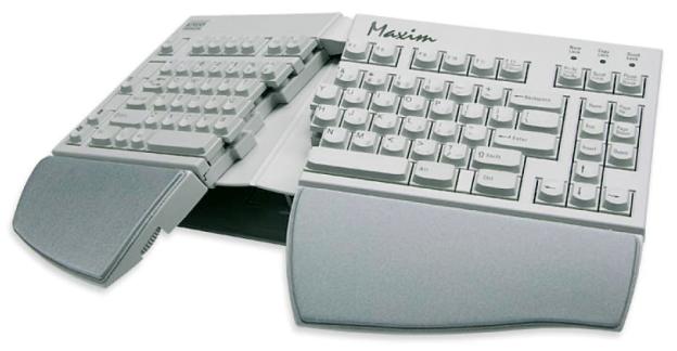 Das Maxim™ Split Adjustable Keyboard von Kinesis (www.kinesis-ergo.com).